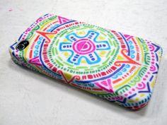 DIY Aztec Inspired iPhone Case A fun Aztec inspired iPhone case made with markers! Sharpie Phone Cases, Cool Iphone Cases, Diy Phone Case, Laptop Cases, Ipod Cases, Ipod Touch, Ipad Mini, Sharpie Art, Sharpies