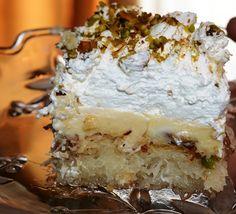 Υπέροχο Εκμέκ Πολίτικο. Μια συνταγή για ένα 'κολασμένο' γλυκό που το γευστικό του αποτέλεσμα σε παραπέμπει στο'δίαιτα από... Δευτέρα'... Σίγουρα δεν μπορε Greek Cake, Freeze Ice, Ice Cake, Sweet Recipes, Red Velvet, Frozen, Food And Drink, Ice Cream, Sweets