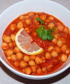 Chana Masala, Chapati, Indian Food Recipes, Healthy Recipes, Ethnic Recipes, Chickpeas Benefits, Lebanese Desserts, Tandoori Roti, Hot Desserts