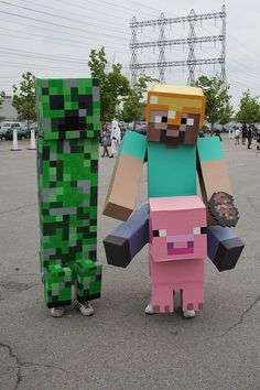 Minecraft costume LOL I love this more than I probably should