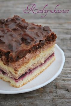 Rodzynkowiec Polish Food, Polish Recipes, Hungarian Cake, Traditional Cakes, Food Cakes, How Sweet Eats, Cake Recipes, Biscuits, Muffin