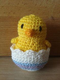 Haken & Maken: Kuikentjes haken Baby Born, Easter Crafts, Rooster, Projects To Try, Crochet Hats, Beanie, Knitting, Amigurumi, Baby Chicks