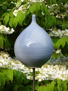 Keramik-Zwiebel pastellblau - Gärten für Auge & Seele