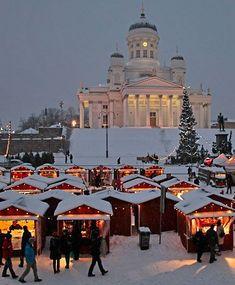 El Mercado de Navidad de St. Thomas en Helsinki, Finlandia. More #Finland