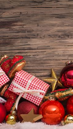 Tap image for more Christmas Wallpapers! Vintage Xmas Compositions - iPhone wallpapers for Christmas @mobile9