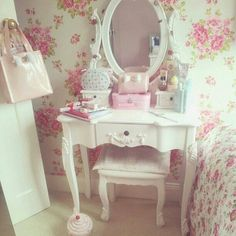 Home decoration, Inspiration, shabby chic Dream Rooms, Dream Bedroom, Girls Bedroom, Bedroom Decor, Bedrooms, Rose Bedroom, Bedroom Ideas, Master Bedroom, My New Room