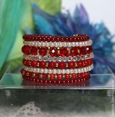 """Купить Многорядный браслет """"Стильный красный"""" - ярко-красный, белый, коралл, бусины сваровски"""
