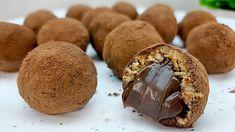 Tieto lahodné guľky podľa receptu z youtube tromfnú aj sladkosti z obchodu. Príprava je veľmi jednoduchá a pri troške zručnosti vám zaberie len 10 minút.Potrebujeme:1,5 ČL instantnej kávy30 ml horúcej vody250 g mascarpone50 g práškového … Candy Recipes, Snack Recipes, Homemade Sweets, Gluten Free Cakes, Kakao, Toffee, Cake Cookies, Chocolate Recipes, Biscotti