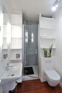 Inspiration #déco et #aménagement pour une petite salle de bains !  http://www.m-habitat.fr/par-pieces/sanitaires/comment-optimiser-l-espace-dans-une-petite-salle-de-bain-2691_A