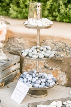 Wedding details, sugared almonds, sugared chocolate favours, white and grey, greek wedding, sweets and treats for wedding guests, welcome table Wedding Candy Table, Wedding Sweets, Greek Wedding, Summer Wedding, Our Wedding, Welcome Table, Chocolate Favors, Wedding Appetizers, Candy Bars
