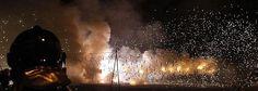 Mascletá nocturna en la Plaza del Ayuntamiento de Valencia - Night firecrackers are fired before the fireworks