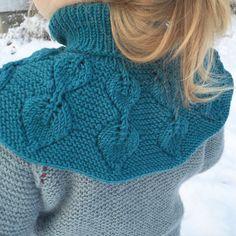 Ravelry: Løvfallhals / Falling Leaves Collar pattern by Strikkelisa Collar Pattern, Neck Warmer, Autumn Leaves, Ravelry, Knitted Hats, Collars, Falling Leaves, Knitting, Crochet