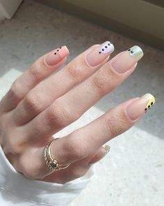 Products used:Orly - basecoatOrly - sheer nudeTrind - hello sunshineTrind - night shiftTrind - head over heelsTrind - sparkling mossPJR - my fears are melting away Pastel Nail Art, Dot Nail Art, Polka Dot Nails, Glitter Nail Art, Nail Art Diy, Easy Nail Art, Diy Nails, Nail Art For Beginners, Minimalist Nails