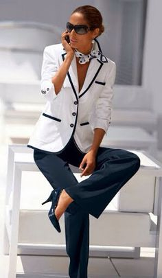 Blue and white/black and white always look sharp with a tailored jacket and heels. Dressing your truth как стилевые энергии - Work Fashion, Modest Fashion, Fashion Dresses, Fashion Boots, Fashion 1920s, Fashion Blouses, Formal Fashion, Net Fashion, Fashion Sale