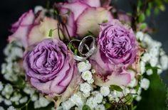 Brautsträuße gibt es in allen möglichen Varianten, Formen und Farben. Um die Auswahl zu erleichtern, stellen wir 5 Brautstrauß Formen vor: Von A wie Armstrauß bis Z wie Zepter!