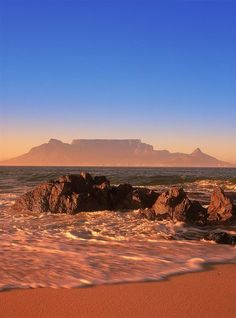 One of THEEE most beautiful places in the worldSouth Africa - Cape Town, Table Mountain. One of THEEE most beautiful places in the world Beautiful Places In The World, Places Around The World, Around The Worlds, Beautiful Beaches, Places To Travel, Places To See, Chobe National Park, Cape Town South Africa, South Africa Beach