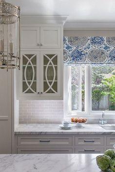 White kitchen cabinet design ideas (27)