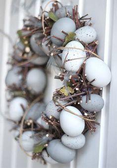 Easter egg wreath I húsvéti koszorú Hoppy Easter, Easter Eggs, Spring Crafts, Holiday Crafts, Holiday Ideas, Pot Pourri, Diy Ostern, Easter Celebration, Easter Holidays