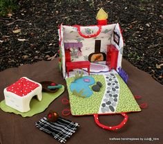 Fabric dollhouses, a lot of pictures for ideas!