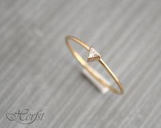 14 k driehoek Diamond ring diamanten door GoudsmederijHerfst