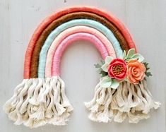 Yarn Crafts, Diy And Crafts, Arts And Crafts, Macrame Projects, Diy Projects, Felt Wall Hanging, Rainbow Wall, Rainbow Nursery, Rainbow Crafts