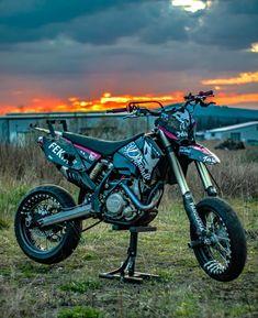 Dirt Bike Gear, Motorcycle Dirt Bike, Motorcross Bike, Pigeon Breeds, Moto Car, Road Rage, Ford Classic Cars, Dirtbikes, Super Bikes