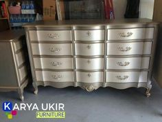 Silver painted furniture Sparkling Amazing Silver Painted Furniture Metallic Chalk Paint Two Toned Dresser And Side Table Size 634 922 Architecture Ideas Amazing Silver Painted Furniture Metallic Paint On Modern Master Silver Painted Furniture, Painted Drawers, Metal Furniture, Paint Furniture, Furniture Projects, Furniture Makeover, Bedroom Furniture, Unique Furniture, Furniture Vintage