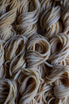 Herb laminated ravioli filled with new potato, pea, mint and ricotta - Pasta & Rice - Pasta Rezepte Tortellini, Ravioli, Colored Pasta, Filled Pasta, Pasta Machine, Pasta Shapes, British Baking, Vegan Pasta, Ricotta Pasta