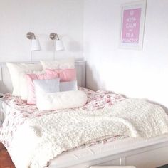 Girl Room Decor Ideas - What are good colors for a bedroom? Girl Room Decor Ideas - Where should I start decorating my bedroom? Decoracion Habitacion Ideas, Dining Room Art, Modern Home Interior Design, Small Room Design, Style Deco, Shabby Chic Bedrooms, Girl Bedrooms, My New Room, Decoration