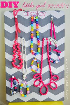 $5 DIY Little Girl's Jewelry Display. Easy and cheap!