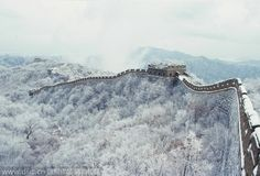 China's beautiful snow scenes: Landscape of the Mutianyu Great Wall in Beijing in winter.