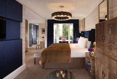 Modern luxury hotel lighting with the Bibendum chandelier as the central feature in top boutique hotel Flemings of Mayfair, London. Custom made in England One Bedroom, Bedroom Apartment, Small Luxury Hotels, Modern Luxury, Penthouse Suite, Mayfair London, London Hotels, Retail Design
