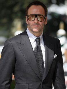 impeccable, refined and smart styling. Tom Ford Suit, Tom Ford Men, Tom Ford Glasses, Men's Toms, Herren Outfit, Mens Fashion Suits, Men's Fashion, Men's Grooming, Suit And Tie