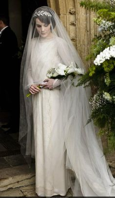beautiful 1920's bridal gown worn by Mary's character in Downton Abbey