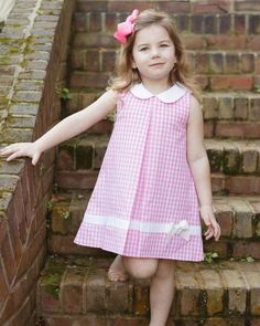 Pink Large Gingham Dress with White Bow Smockingbird Girls Frock Design, Kids Frocks Design, Baby Frocks Designs, Baby Dress Design, Dress Designs For Girls, Girls Dresses Sewing, Dresses Kids Girl, Girls Easter Dresses, Kids Outfits