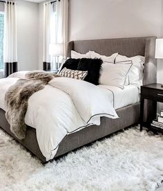 Furniture Bedrooms : White and gray cozy bedroom Home Decor Bedrooms : White and gray cozy bedroom. -Read More The post Furniture Bedrooms : White and gray cozy bedroom appeared first on Schlafzimmer ideen. Cozy Bedroom, Bedroom Inspo, Home Decor Bedroom, Modern Bedroom, Bedroom Curtains, Stylish Bedroom, Bedroom Neutral, Bedroom Bed, Apartment Master Bedroom