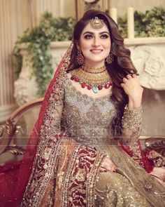Pakistani Bridal Makeup, Pakistani Fashion Party Wear, Pakistani Wedding Outfits, Pakistani Dresses Casual, Pakistani Dress Design, Abaya Fashion, Muslim Fashion, Asian Fashion, Dress Fashion