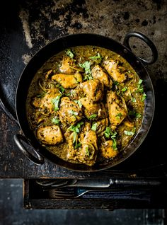 Indian garlic and black pepper chicken curry