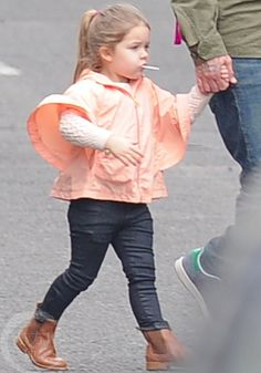 Harper Beckham Fashion Blog: March 2015: Harper after school in London