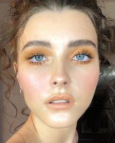 Pinterest: DeborahPraha ♥️ neutral tones makeup
