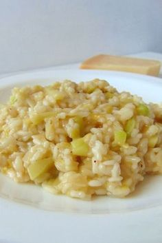 * Leek and zucchini risotto - Tasty details Amazing Awesome Leek and zucchini . Veggie Recipes, Rice Recipes, Real Food Recipes, Vegetarian Recipes, Chicken Recipes, Cooking Recipes, Healthy Recipes, Yummy Food, Healthy Pizza