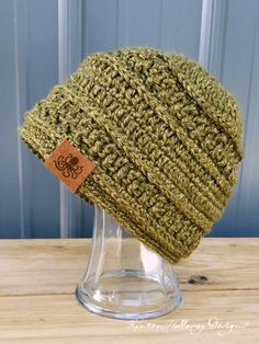 The Wanderlust beanie is an easy, free crochet hat pattern that looks good on both men and women. It's filled with texture, and works up quickly enough to make it perfect for donating to charities that accept chemo caps, or help the homeless. Make it a set with the Wanderlust Scarf pattern, linked in the description.