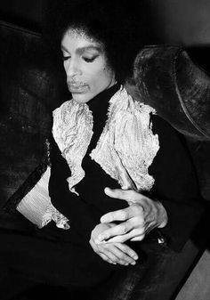 Prince- look at his hands. There is NO way this man did not have arthritis! It hurts my heart to see them!