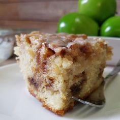 Apple Cinnamon Roll Cake – Rumbly in my Tumbly Apple Dessert Recipes, Apple Recipes, Easy Desserts, Baking Recipes, Delicious Desserts, Cinnamon Recipes, Baking Desserts, Apple Cinnamon Cake, Cinnamon Apples