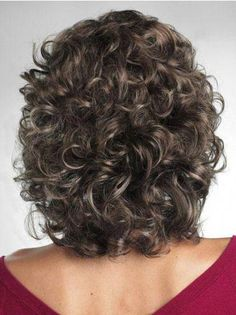 Curly Hair Website | Short Curly Hairstyles For Girls | Curling Hair Style Tips 20190311 Curly Hair Cuts, Short Curly Hair, Short Hair Cuts, Curly Hair Styles, Wavy Hair, Short Wavy, Fine Hair, Square Face Hairstyles, Hairstyles Over 50