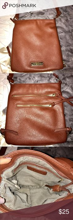 Steve Madden brown cross body Long leather straps with gold ring - brown Steve Madden purse - great condition - only worn a few times Steve Madden Bags Crossbody Bags