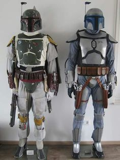 Boba Fett (son, clone not behaviorally modified) and Jango Fett (father, man who storm troopers were cloned after) Mandalorian Costume, Boba Fett Costume, Mandalorian Armor, Jango Fett Boba Fett, Star Wars Boba Fett, Boba Fett Armor, Star Wars Saga, Star Trek, Star Wars Helmet
