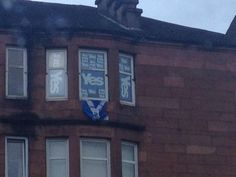 #indyref seen this house at dalmarnock. I think the owner is maybe swaying towards yes. Lol. pic.twitter.com/Um4YfUdP3q