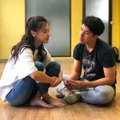 Want to know how much a person loves us watching these situations - Knongsrok - WE Need Quotes Love Couple, Couple Goals, Cod Memes, Love You Very Much, Daniel Padilla, Couple Aesthetic, Good Listener, Korean Couple, Ulzzang Couple