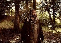 "The Walking Dead Khary Payton as ""Ezekiel"" King Ezekiel, The Munsters, Ghost Busters, Character Portraits, Show Photos, Tim Burton, The Walking Dead, Tv Shows, Raincoat"